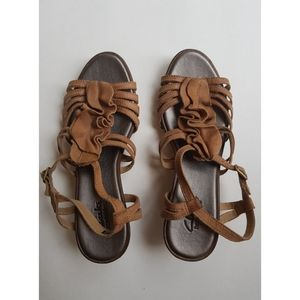 Clark's Bendables Brown Leather Ruffle Wedges